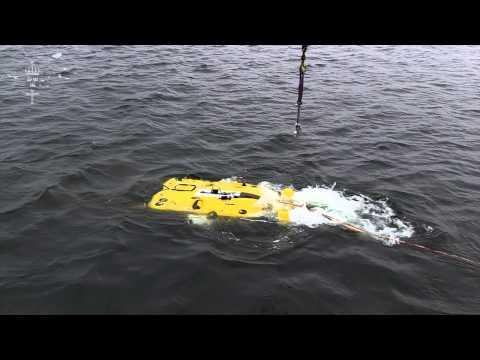 HMS Ulvön övar minutläggning och röjning