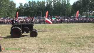 Odpalanie Bombaja - Wilkowice 2013 - XII Festiwal Starych Ciągników i Maszyn Rolniczych