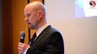 E-Voting - das Ende der Demokratie? Roger Burkhardt, Informatiker & Gemeinderat (Parteifrei)