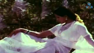 Pournami Nilavu Video Song(Ippadithan Irukkavendum Pombalay)