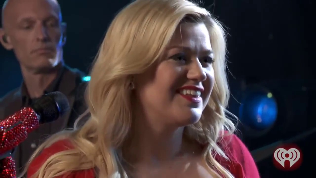 Iheartradio Christmas.Kelly Clarkson Please Come Home For Christmas Iheartradio Exclusive