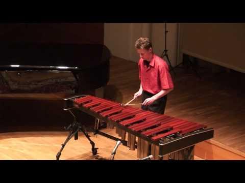 Dominik Liebel spielt