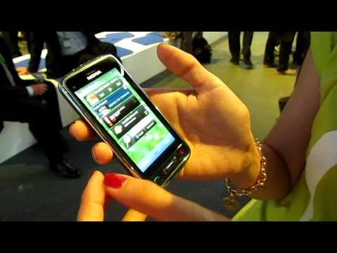 Nokia C6-01 Hands-on
