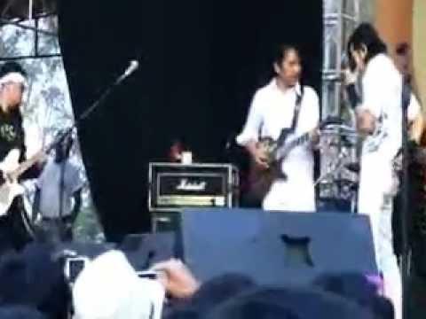 Gigi feat REUNION medley Angan, Janji, Nirwana.flv