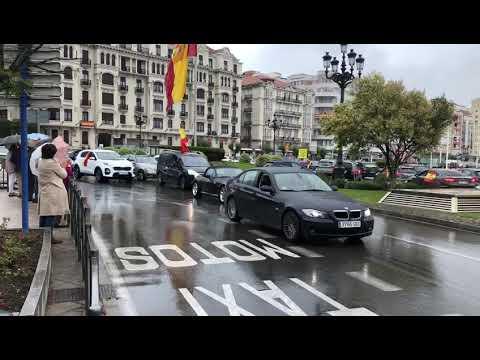 Vox se adueña de la bandera y la derecha española en Santander