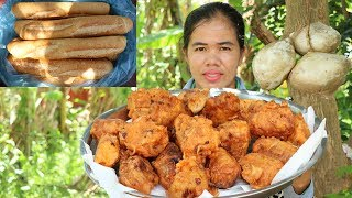 Amazing Cooking Fried Bread With Papaya Recipe - How To Fried Bread Delicious - Primitive Technology