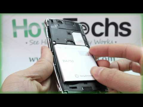 Sony Ericsson Xperia Arc: Inserting The Battery
