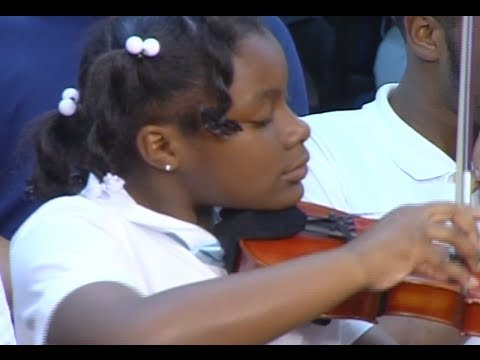 Student Strings Moving Tribute to Titanic
