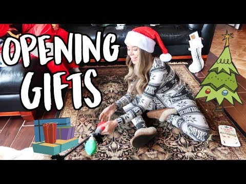 Download Youtube: OPENING GIFTS! VLOGMAS DAY 25!