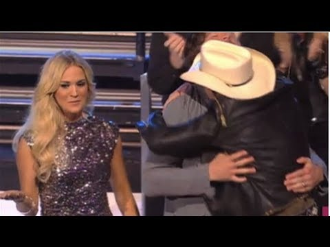 Carrie Underwood And Mike Fisher At 2012 CMT Awards