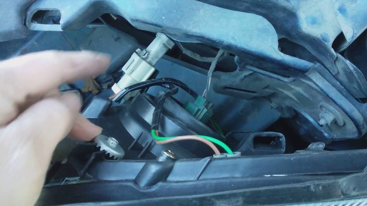 hight resolution of how to change a headlight assembly on a 2005 mercury monterey ordered from amazon