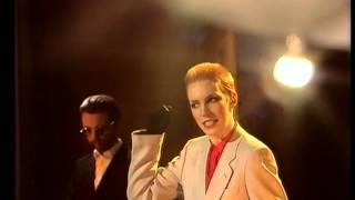 Eurythmics - Love is a stranger (1983 TV)