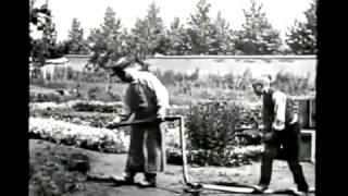 Video [1895 First Comedy Movie] The Sprinkler Sprinkled   LOUIS LUMIERE   L'Arroseur Arrose download MP3, 3GP, MP4, WEBM, AVI, FLV Juni 2017
