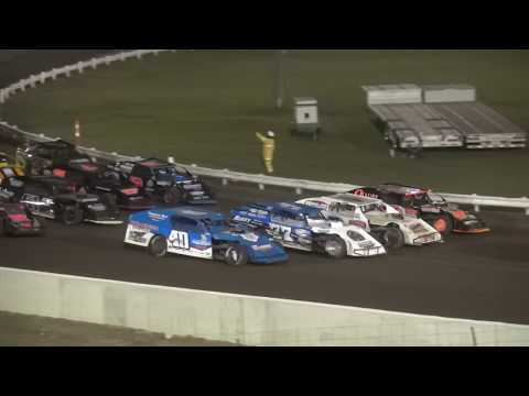 40th Annual Yankee Dirt Track Classic Modified feature Farley Speedway 9/2/17