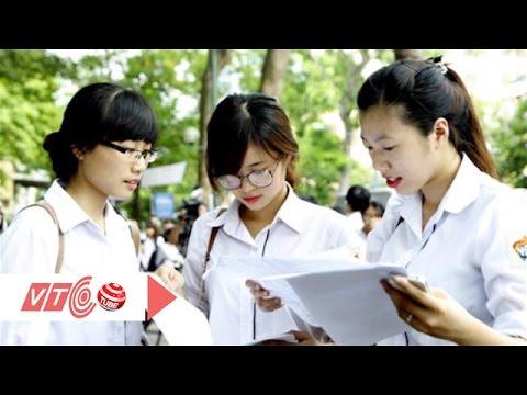 Thí sinh nộp hồ sơ xét tuyển Đại học đợt 1 | VTC