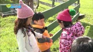 """[HOT] 아빠 어디가 뉴질랜드 편 - """"지아누나가 좋아? 빈이가 좋아?"""" 두 여자에게 포위된 민율이의 선택은? 20131222"""