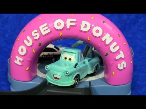 Disney/Pixar Cars Toon Tokyo Mater House of Donuts Playset ToyPitStop Cars