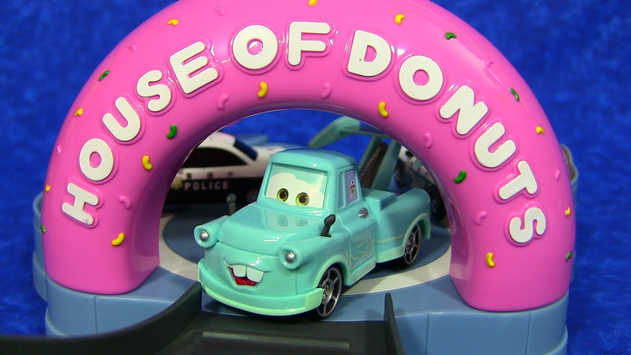 Disney/Pixar Cars Toon Tokyo Mater House Of Donuts Playset