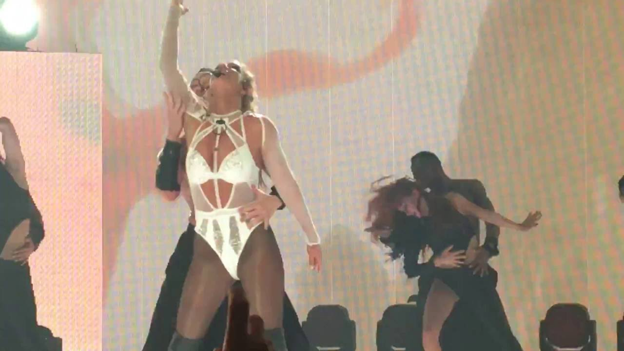 Download Britney Spears - Ops I Did it Again (live at Apple Music Festival 10, London) September 27th 2016