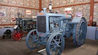 Коллекция тракторов в музее раритетной сельскохозяйственной техники компании Бизон