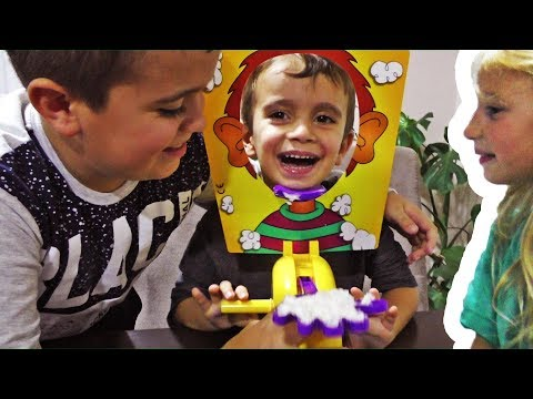 PIE FACE Igra sa Lukom i Lazom / Sonjina braca u Vranju / Ko ima najzarazniji smeh? :-)