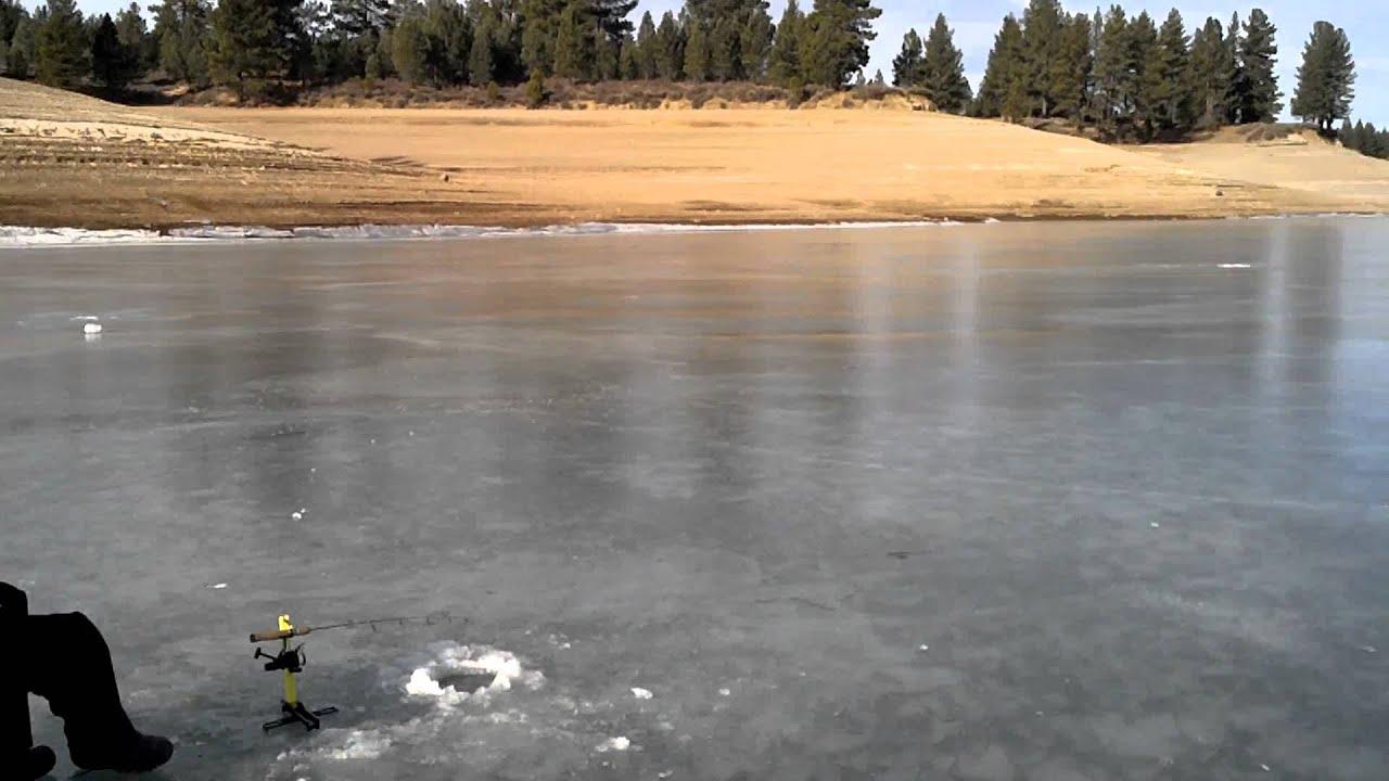 Ice Fishing At Boca Ca Ice Cracking Youtube