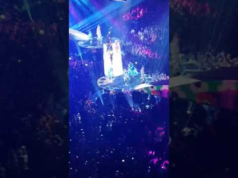 Lady Gaga Applause Dallas Tx American Airlines Center