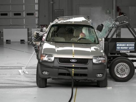 2003 Ford Escape side test