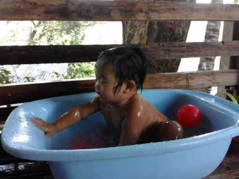 Stacey Dale I. Resultay #Bathtime