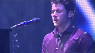 Nick Jonas gets emotional performing Wedding Bells