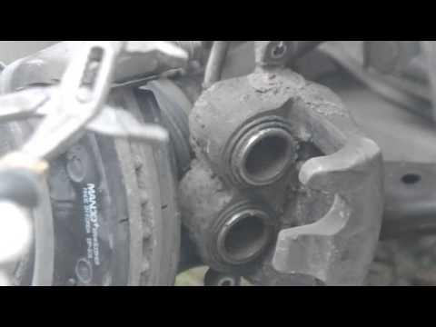 [ RENAULT MEGANE 3 ] Замена передних тормозных колодок и дисков.How to Replace Disc Brakes.