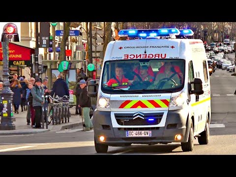 Red Cross Ambulance Responding Lights and Sirens // Croix Rouge en Urgence