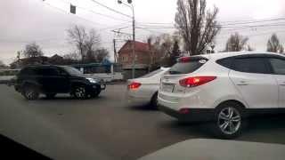 Так ездят Ростовские водители, когда запрещен левый поворот