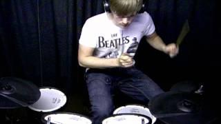 Joey Wojcik: David Guetta ft. Taio Cruz - Little bad girl (drum cover)