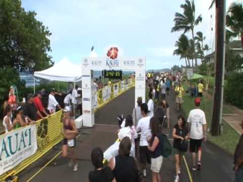 Kauai Mayor at Kauai Marathon 2009 finish line