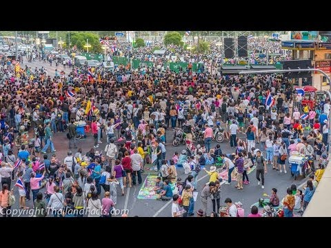 anti-gvt protest in Lumpini Abhisit speech Bangkok 22 december 2013 Thailand