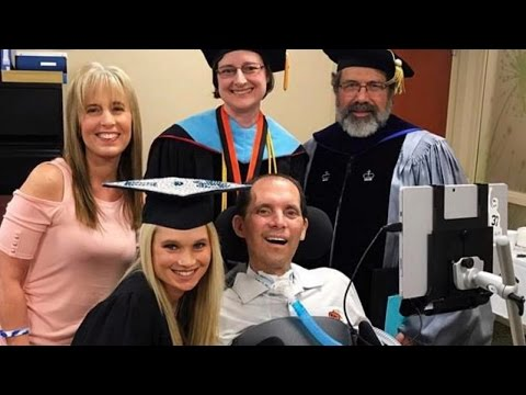 Dad With ALS Sees Daughter Graduate College in Special Hospital Ceremony