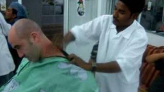 mercatesi dal barbiere indiano