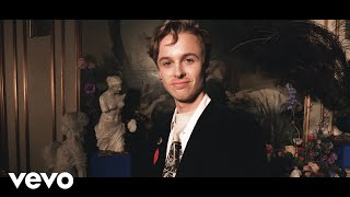 Смотреть клип Isak Danielson - Domino
