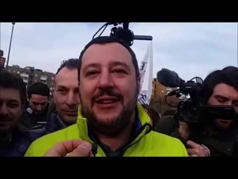 SESTO SAN GIOVANNI LA LEGA CAVALCA L'ONDA