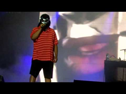 MF DOOM - Kon Queso (Live at Flow Festival, 12/08/2011)