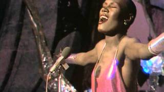 Grace Jones - La Vie En Rose (HD,16:9)