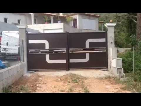 Portail design automatique install par apg acc s portes de garage youtube - Portail de garage automatique ...