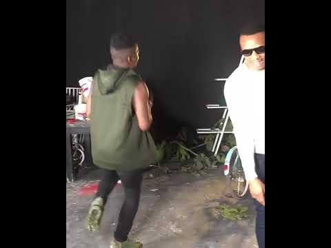 Download Aslay akicheza ngoma ya mauwa sama