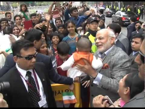 PM Modi connecting with people in Seoul