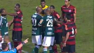 """Palmeiras 0 x 0 Flamengo. Kleber não """"cumpre"""" o Fair Play e gera confusão"""