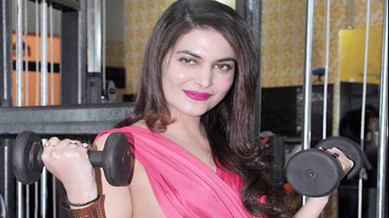 Download Ankita Shorey Wardrobe Malfunction at GYM Opening