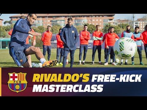 Rivaldo shares free-kick expertise with Barça B