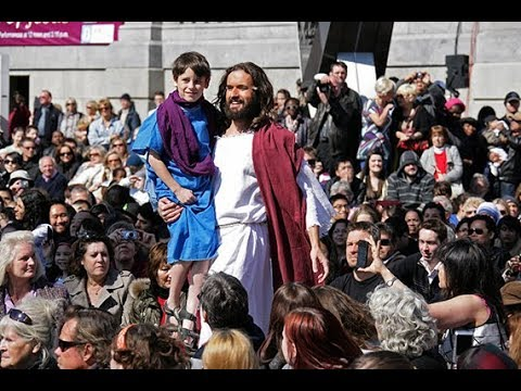 Thousands attend annual crucifixion reenactment in London