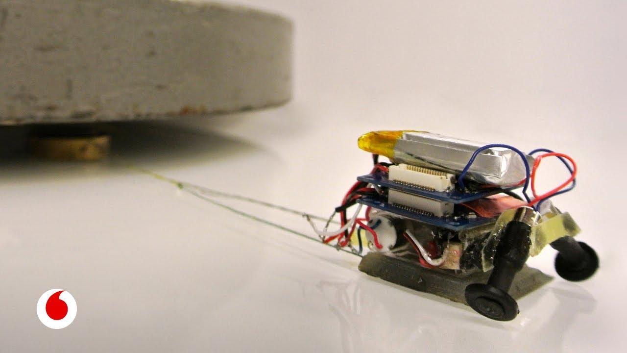 Los alucinantes Microtugs, minirrobots forzudos capaces de arrastrar 2.000 veces su propio peso